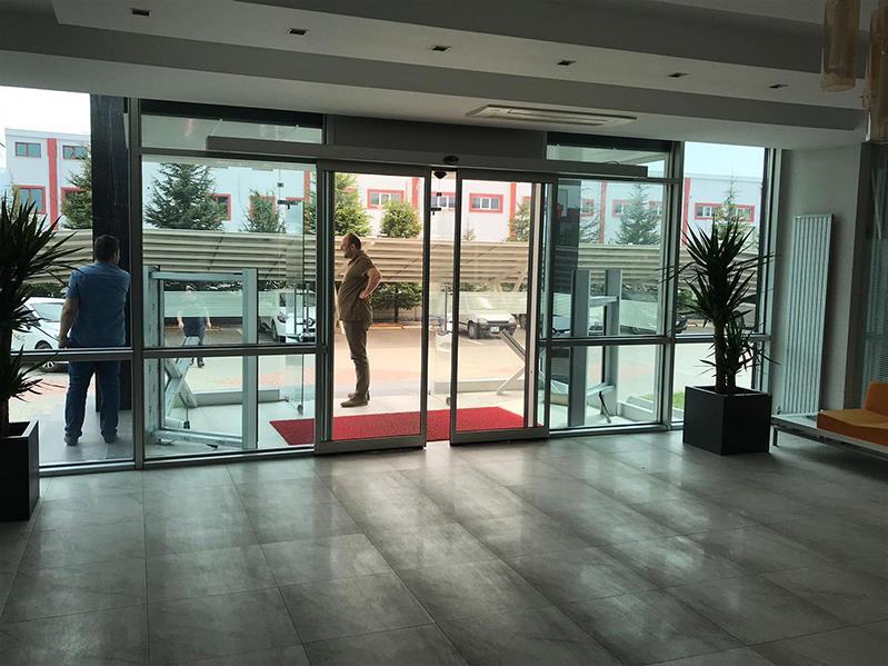 Bina Giriş Kapısı 4
