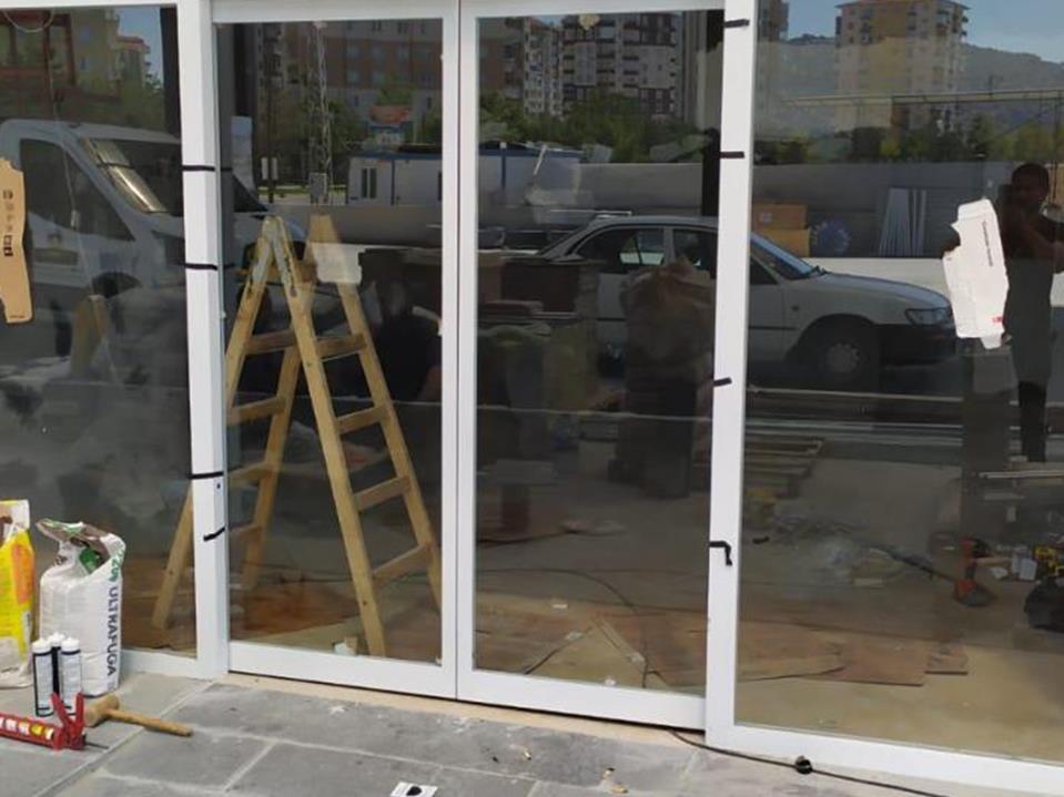 Bina Giriş Kapısı 24